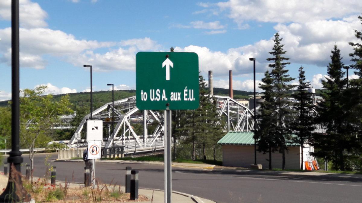 Pont international sur la rivière Saint-Jean