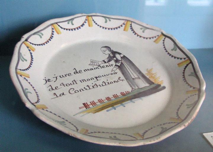 Plat commémoratif de la Constitution civile du clergé