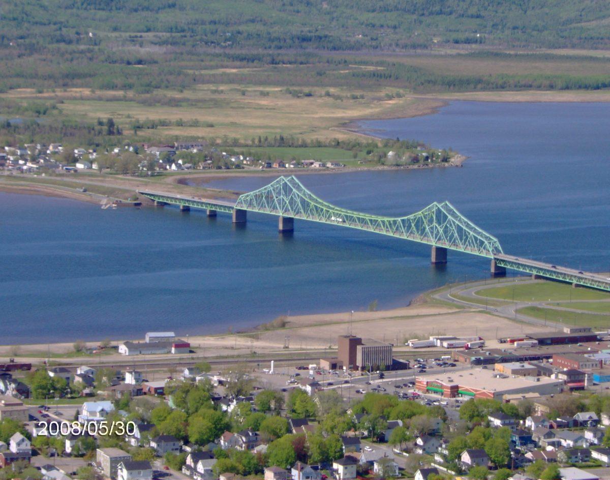 Estuaire de la rivière Ristigouche et pont Van Horne