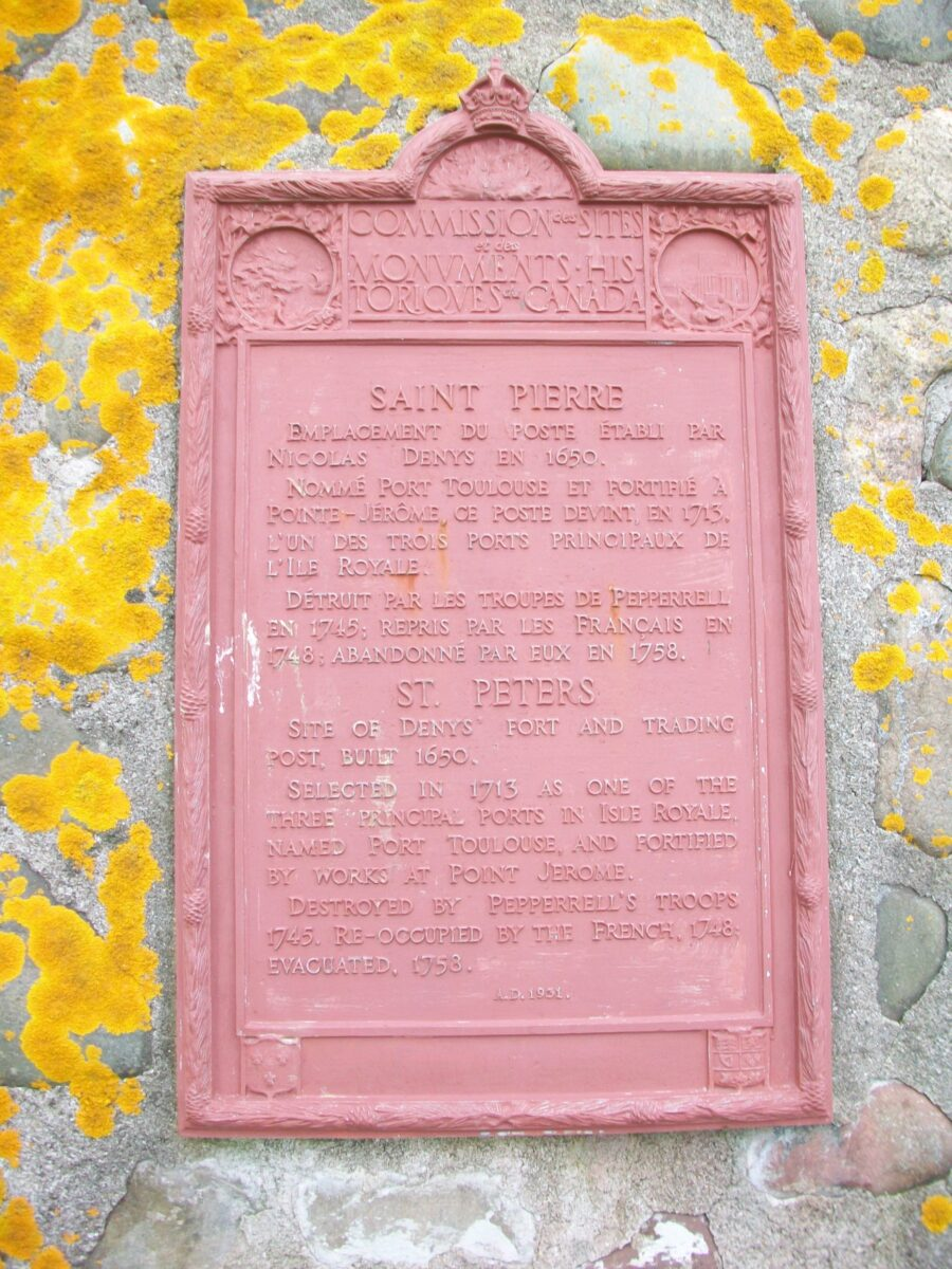 Monument sur le site du poste de Nicolas Denys